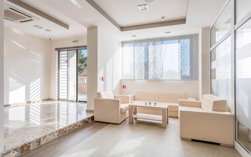 Hotel-Miramar-Nemira-5